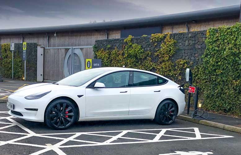 Tesla Model 3 - Destination Charging