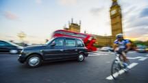 Automobilisten moeten lang en hard nadenken voor ze besluiten weer een dieselauto te kopen zegt de Britse minister voor transport Chris Gayling. '