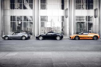3 superbes Tesla Roadster