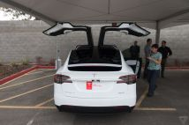 tesla-model-x-launch-017-2040.0