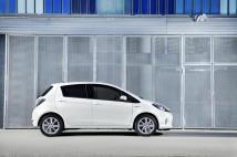 La Yaris Hybride se démarque par sa silhouette aérodynamique exclusive.