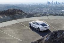 Porsche Mission E : 500 km d'autonomie !