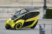 Le Toyota i-Road bénéficie de la technologie Active Lean gérant l'inclinaison dans les virages
