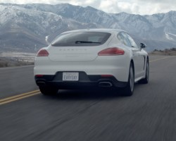 Porsche Panamera Sights & Sounds – Beauty, Exhaust, Fly-by