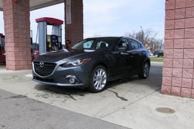 2014 Mazda 3 Four Seasons Mpg Run 02 Three Quarter