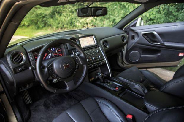 2015 Nissan GT R Cabin 01