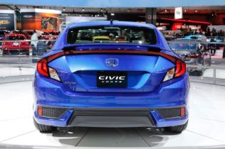2016 Honda Civic Coupe Debuts with Sportier Styling, Roomier Interior