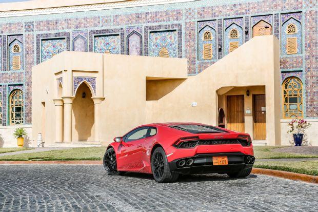 2016 Lamborghini Huracan LP580 2 Rear Three Quarter 02