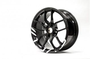 BAC shows off new carbon fiber wheels