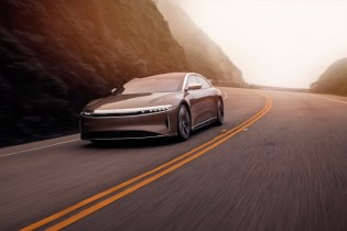 Faraday Future, Lucid reportedly in talks over deals to go public via reverse mergers