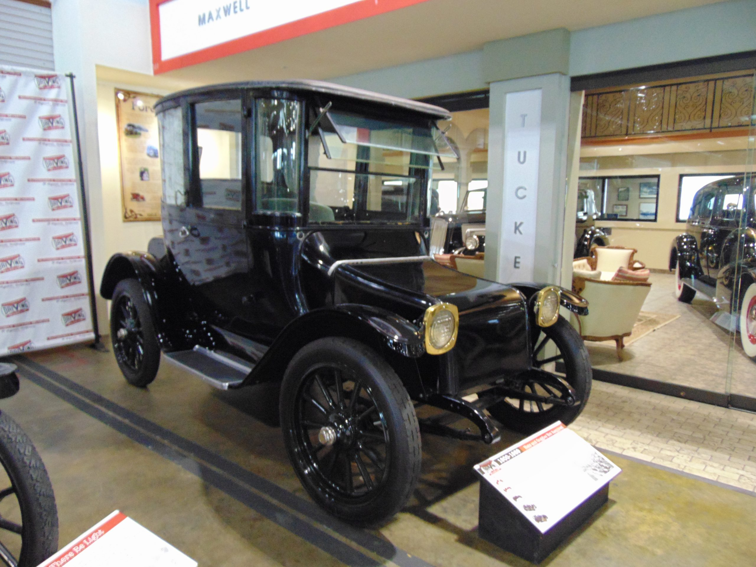1922 Detroit Electric For Rent