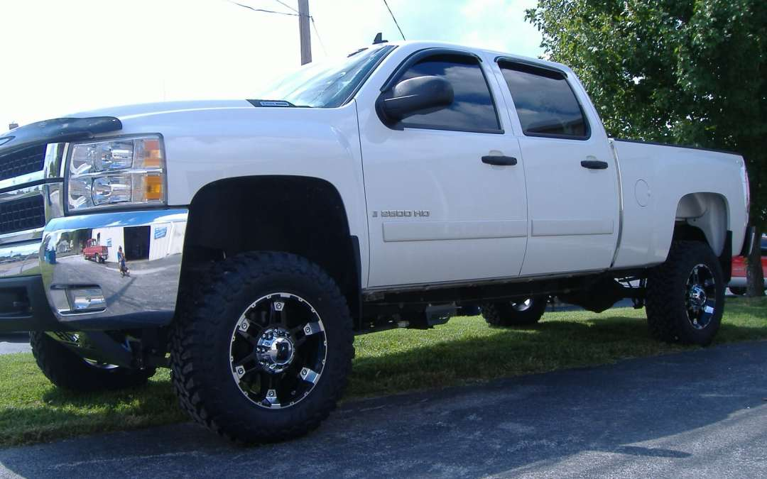 Can I Ship a Lifted Pickup Truck