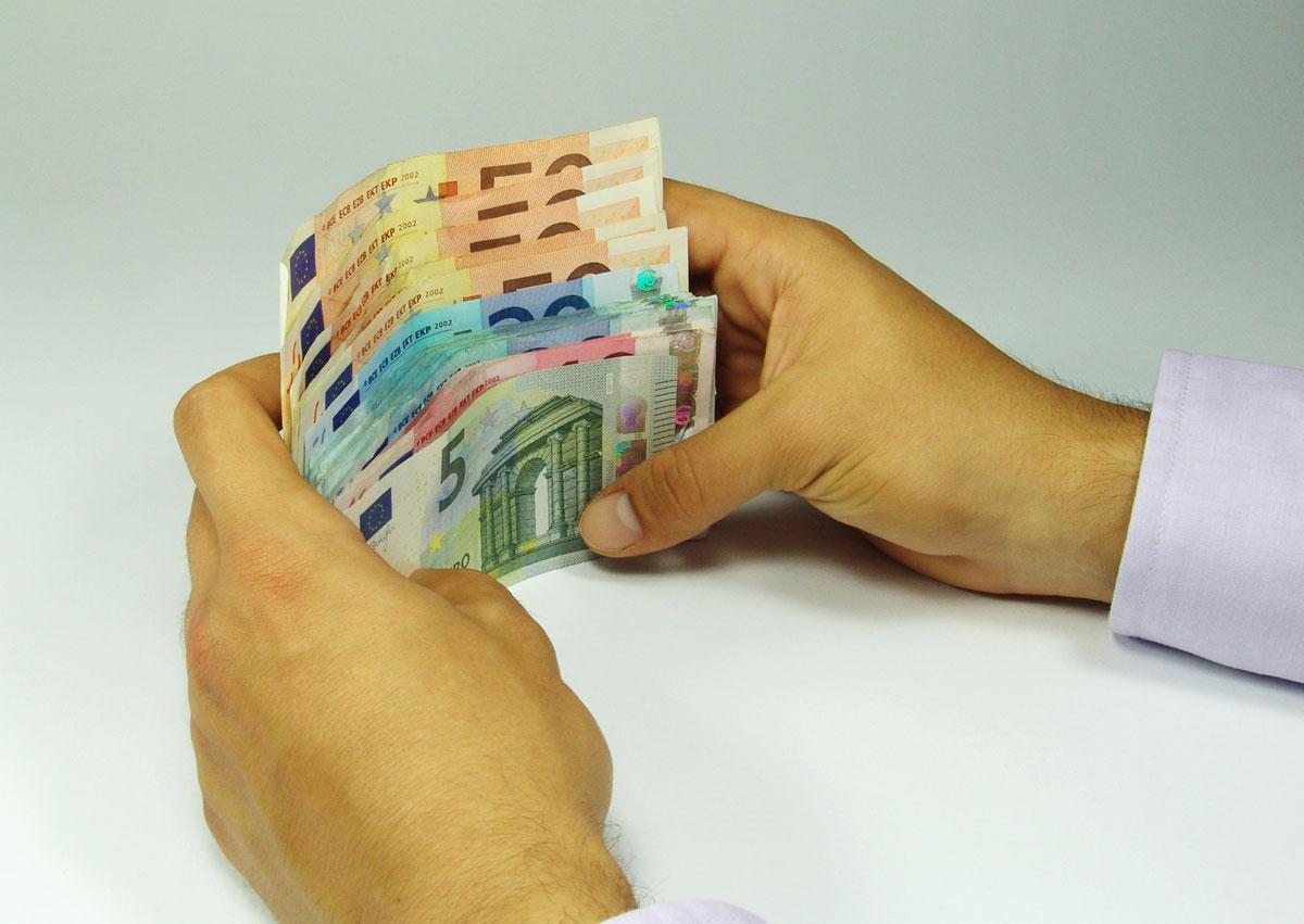3,4 % mehr Geld - leider (mal wieder) nicht für Automobilverkäufer...