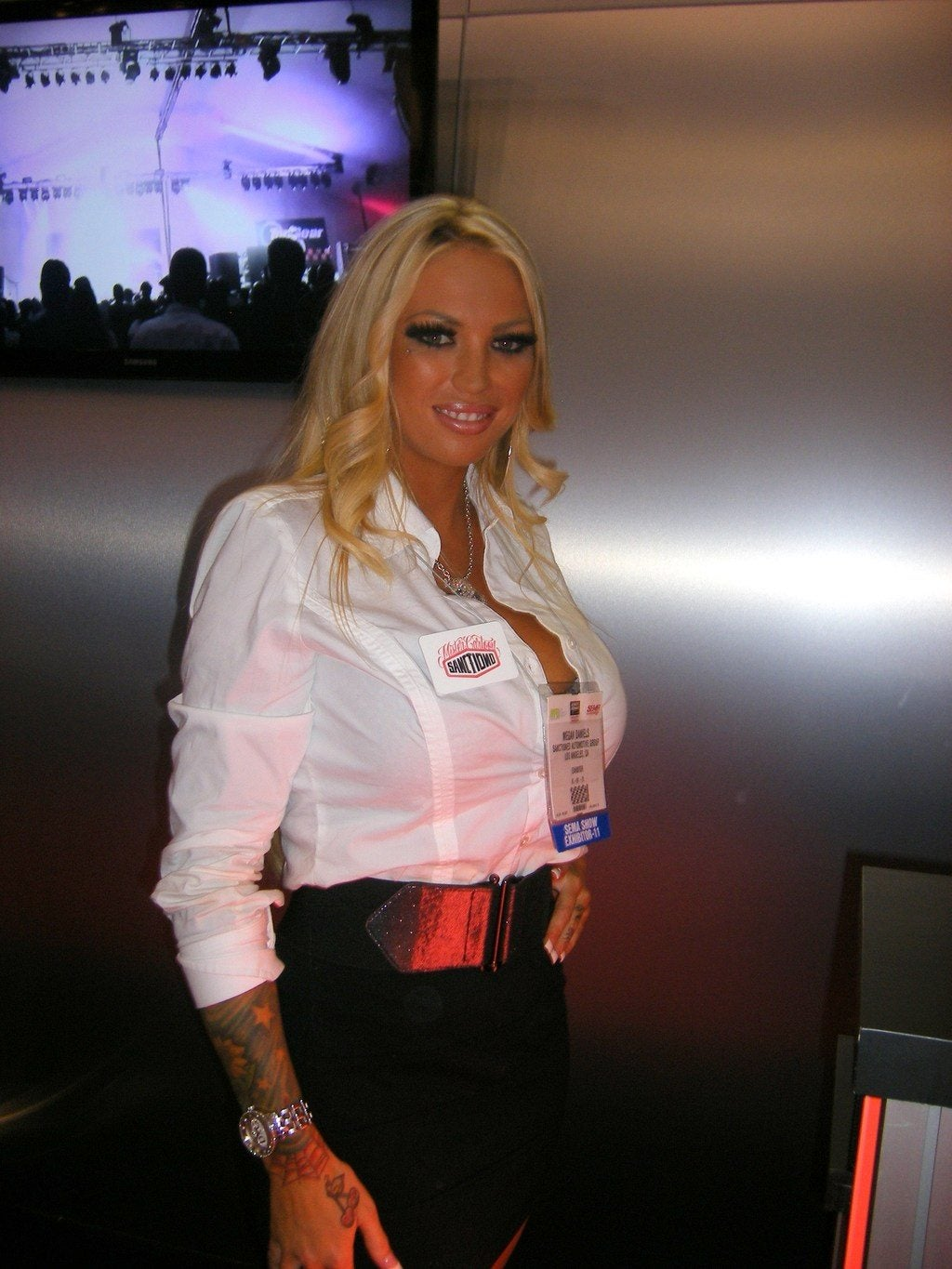 Sema 2011 Booth Babes 45 Photo On Automoblog Net
