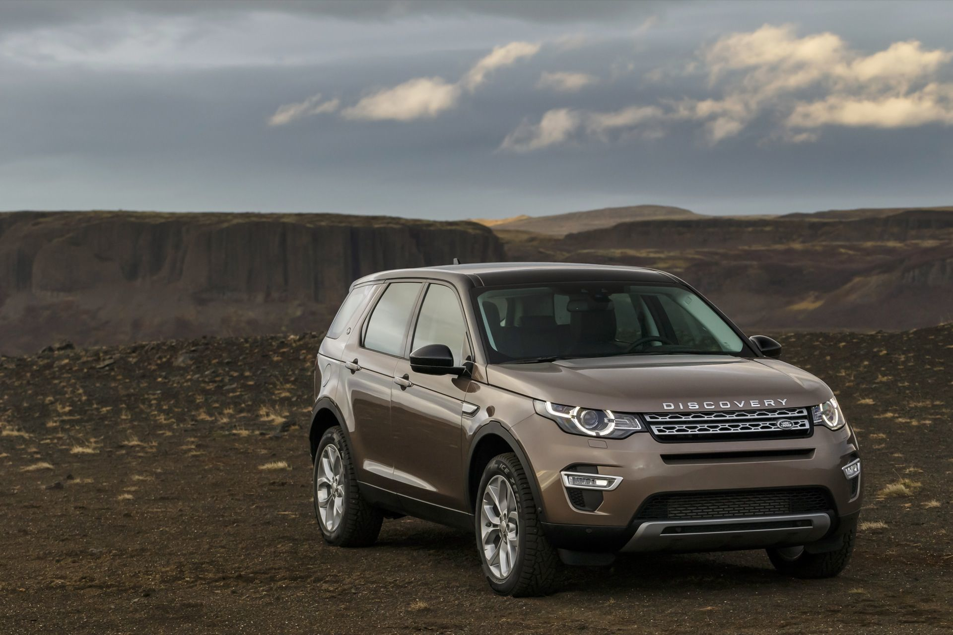 2016 Land Rover Discovery Sport Overview