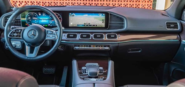 Mercedes Benz GLE 2019 review interiors