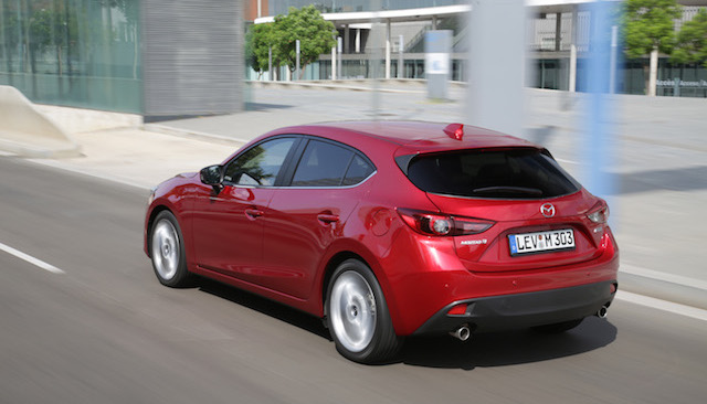 Mazda3_hatchback_2013_action_17__jpg300