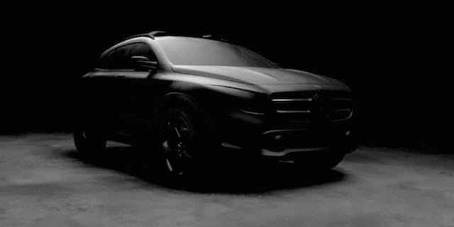 Mercedes-Benz-GLA-SUV-4X4-Youtube-Publicité-Video-Tbtc_-G-Communication-Blanc-Noir-White-Black