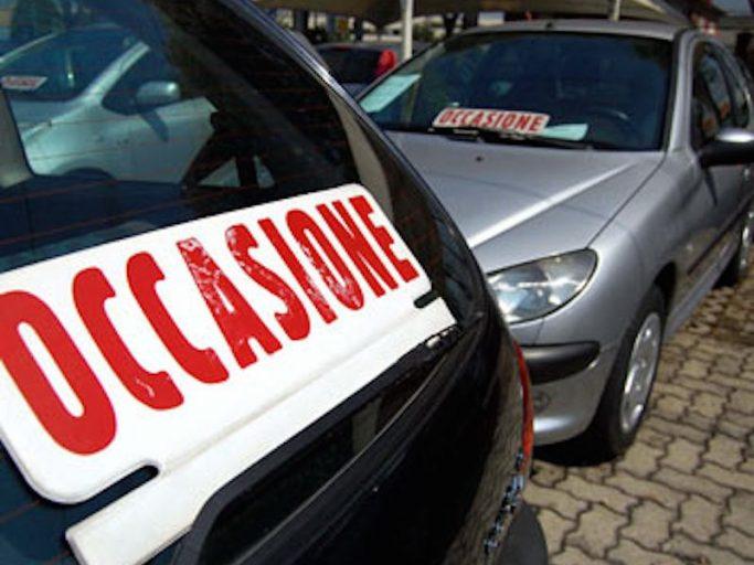 A luglio un +4,4%, il mercato dell'auto italiano torna a crescere.