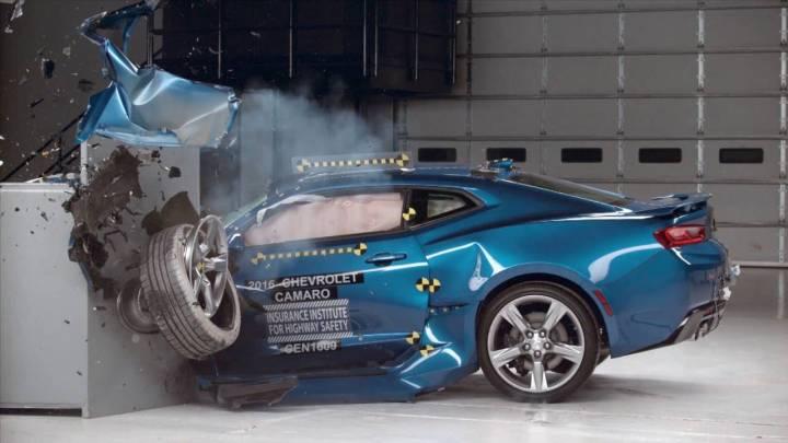 Assicurazione Auto e Crash Test: una soluzione di risparmio