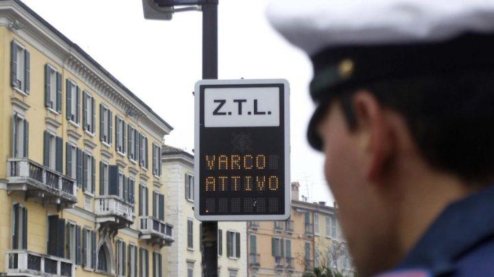 """Multe annullabili in presenza di ZTL con scritta """"Varco attivo"""""""