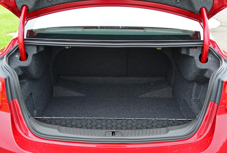 2014 Chevy Malibu Ltz Turbo Trunk
