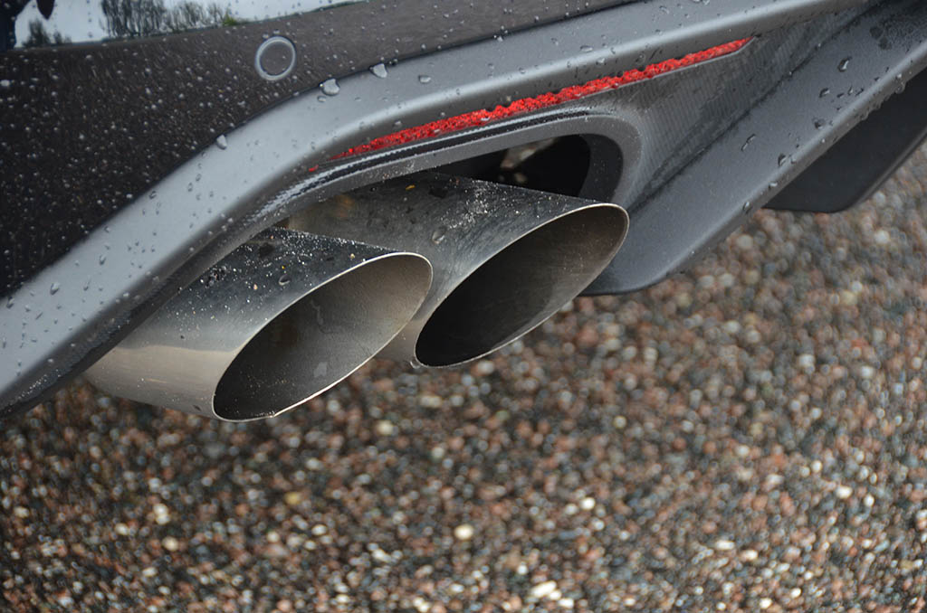 2018 ford mustang gt exhaust tips automotive addicts