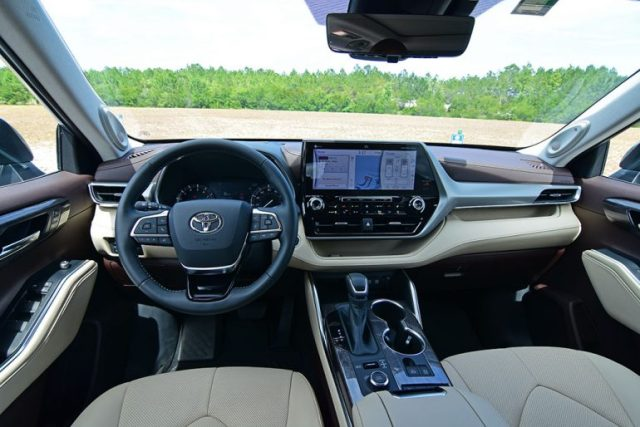 2020 toyota highlander platinum dashboard