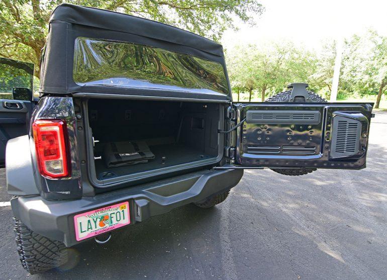 2021 ford bronco sasquatch rear door swing