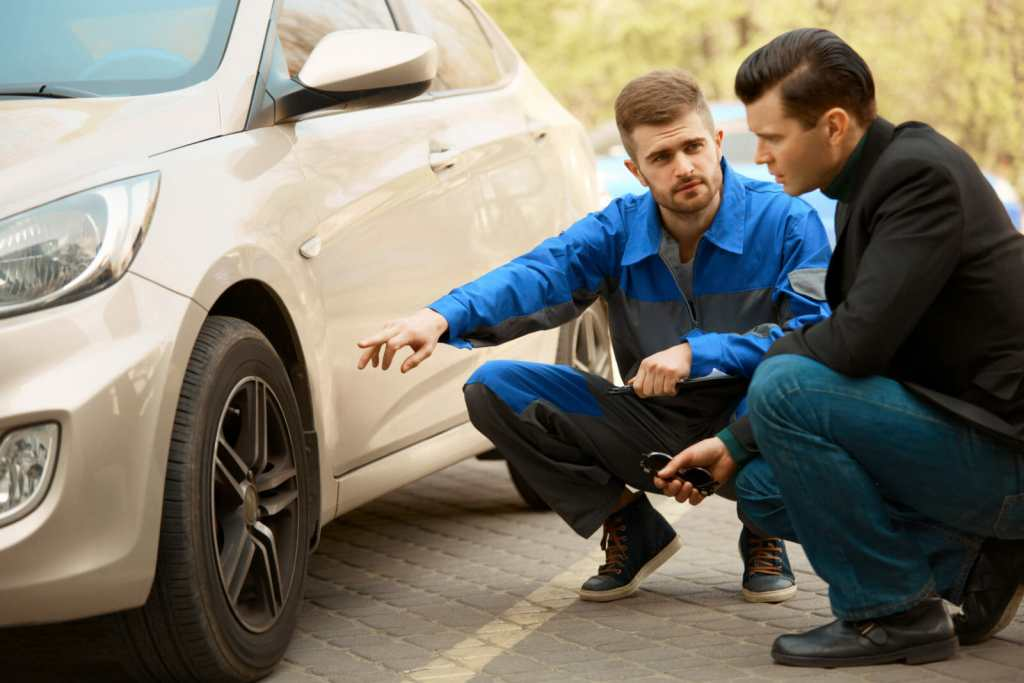 What Is The Role Of The Service Advisor Automotive