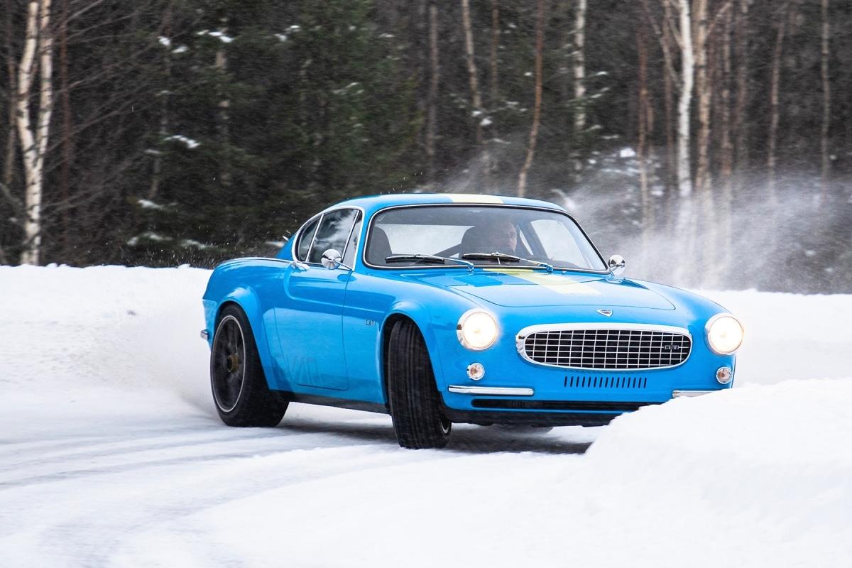 Volvo P1800 Cyan, la suédoise en essais grand froid