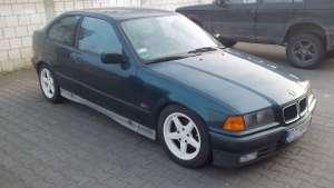 BMW e36 318is bok