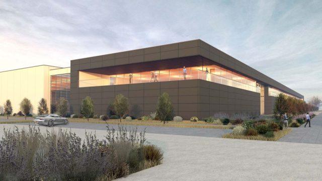 Aston Martin aprirà la nuova fabbrica nel 2022.