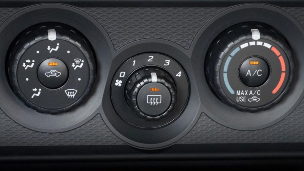 El aire acondicionado del coche, es un elemento de seguridad pasiva, un correcto funcionamiento del mismo, salva vidas.
