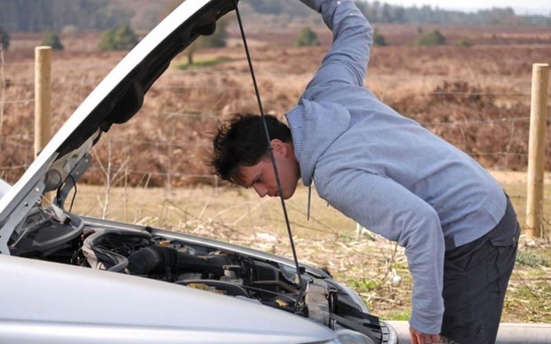 7 ruidos de tu coche que nunca deberías ignorar