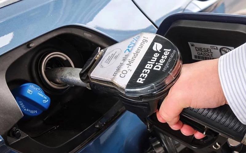 El nuevo diésel azul llegará pronto a España, ¿tienes un coche compatible?