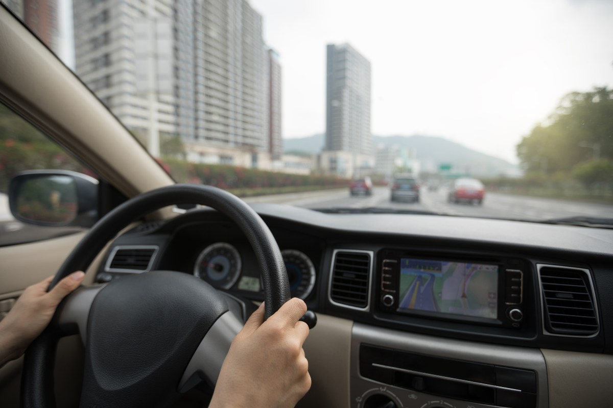 Distancia de seguridad en carretera, no respetarla son 200 euros y cuatro puntos
