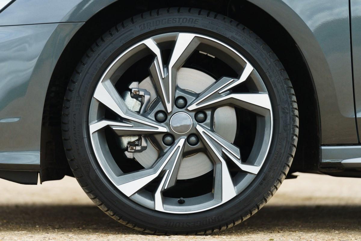 El mal estado de los neumáticos supone el 30% de los accidentes en fechas invernales