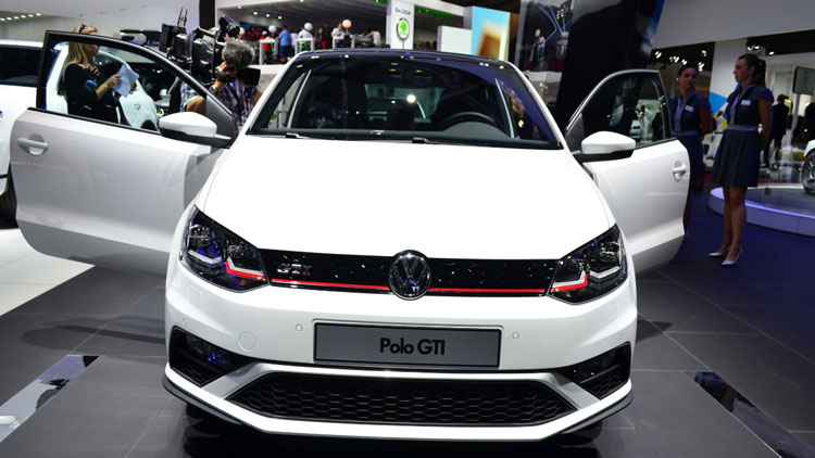 2015-VW-Polo-GTI-front-at-the-2014-Paris-Motor-Show