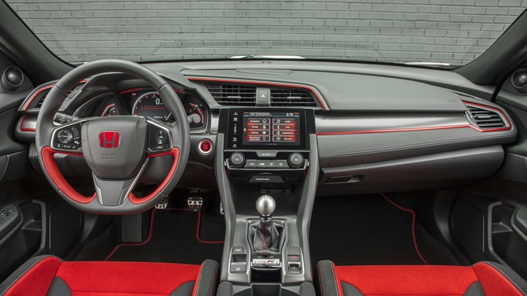 2017 civic type r doesn 39 t offer an automatic transmission here 39 s why auto moto world. Black Bedroom Furniture Sets. Home Design Ideas