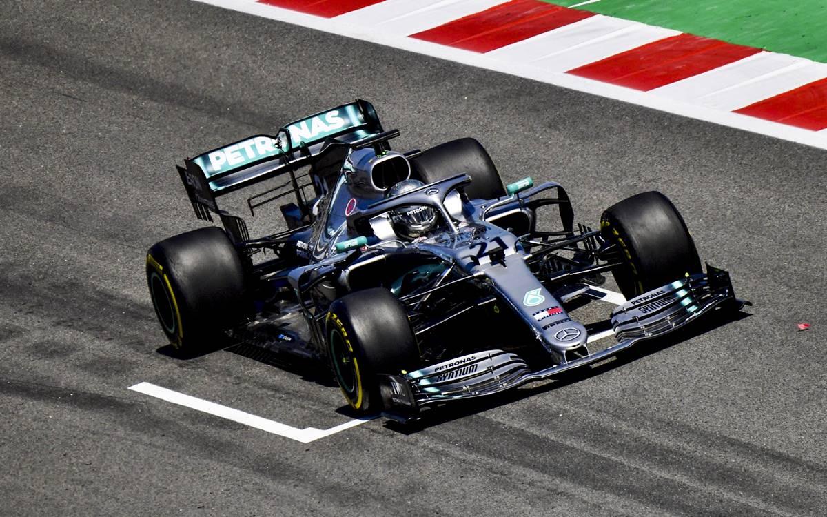 """Nikita Mazepin le dio el """"1"""" a Mercedes en el último día de ensayos en Montmeló"""