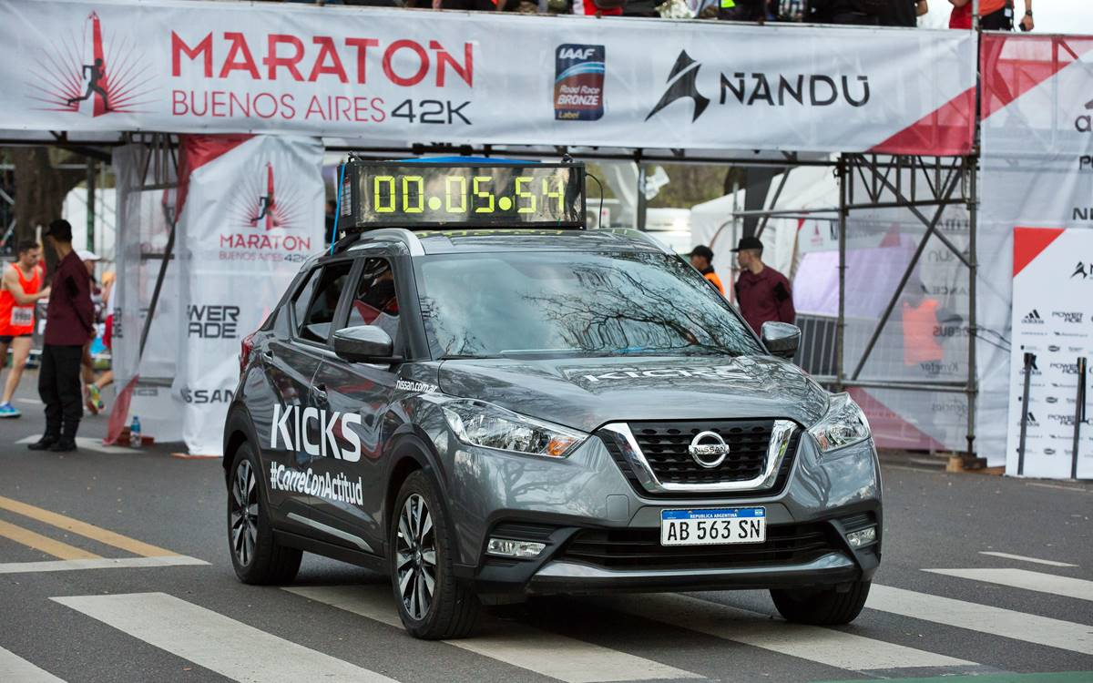 Nissan junto a las maratones de Buenos Aires