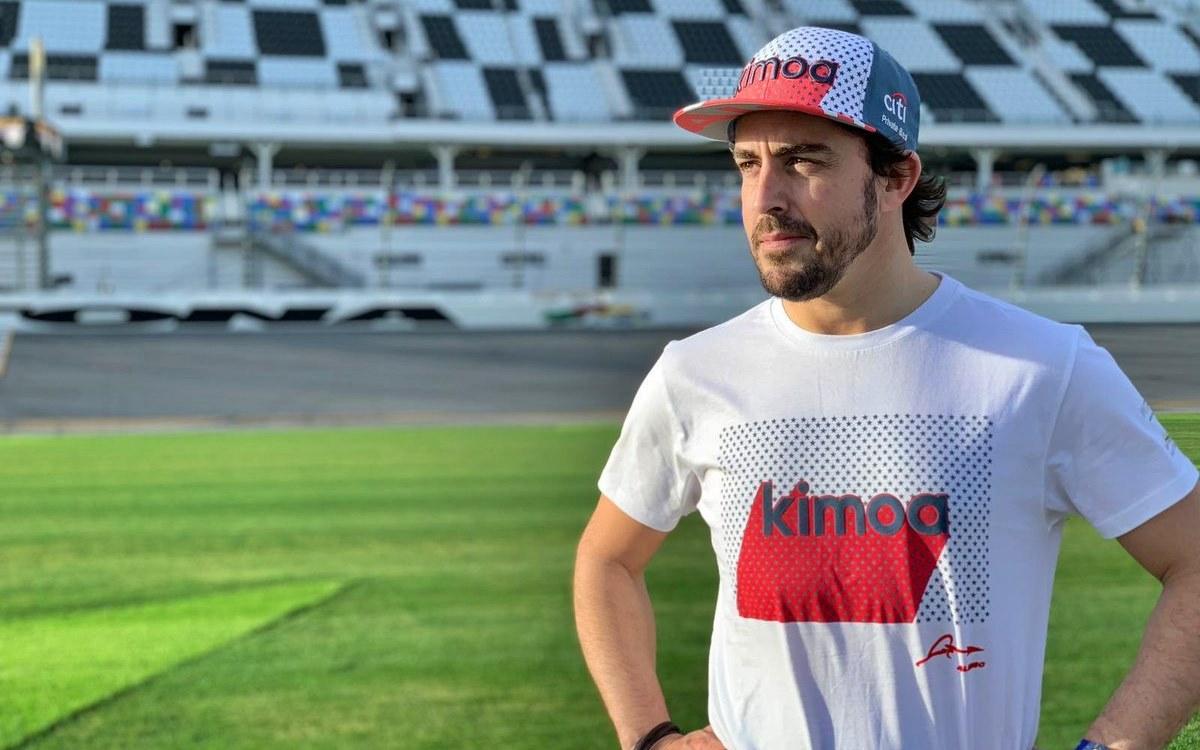 ¿Cuánto cuesta vestirse con Kimoa, la marca de ropa urbana de Fernando Alonso?