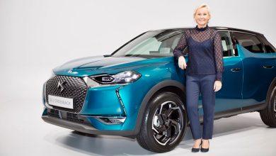Photo of Marion David, directora de producto de DS Automobiles, analiza al DS 3 Crossback