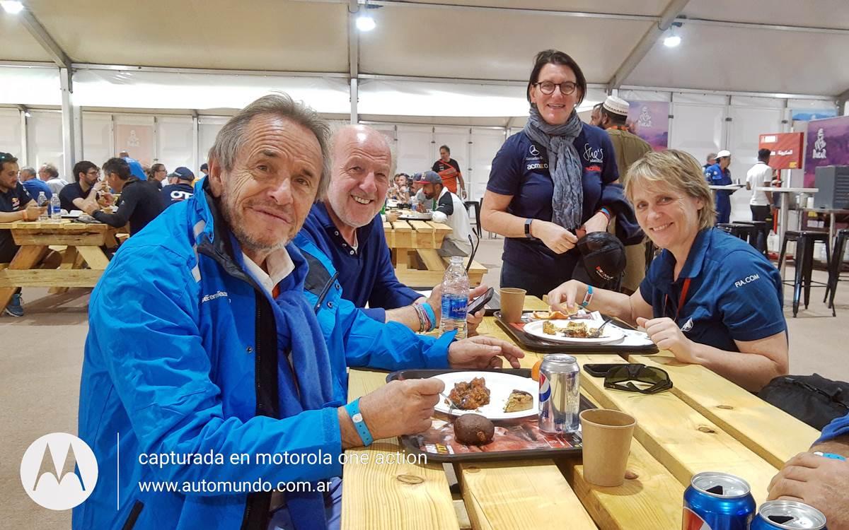 Jacky Ickx, David Richards, Ellen Lohr y Jutta Kleinshmidt