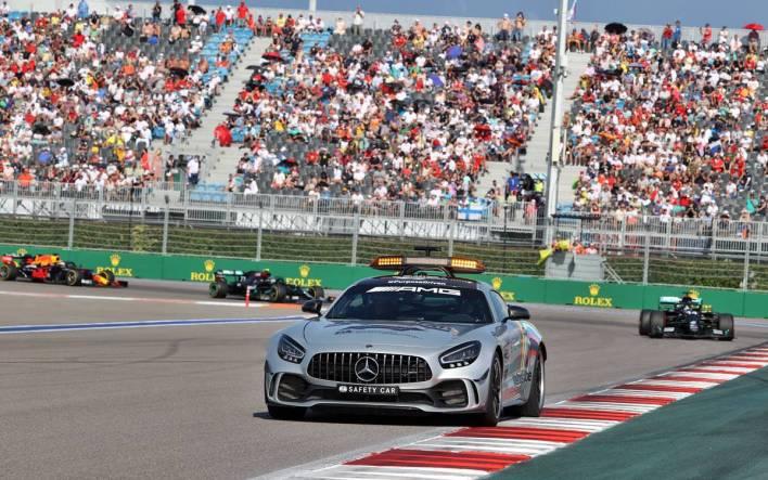 auto de seguridad F1