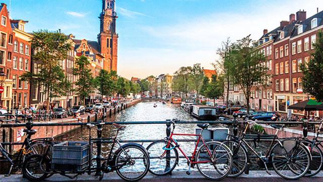 Amsterdam od 2030. uvodi zabranu benzinskih i dizelskih automobila