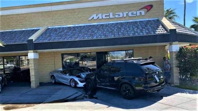 Ni kriv ni dužan razbio McLaren 720S izložen ispred autosalona