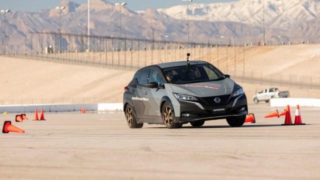 Nissan u LEAF uvodi e-4ORCE – električni pogon na četiri kotača