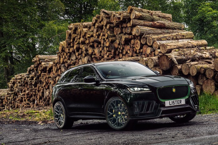 When the Jaguar F-PACE SVR gets high to eat supercars
